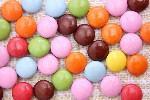 「お菓子大好き大作戦!」1万人にお菓子がプレゼントされます!お菓子のキャラクターと記念撮影も出来ます。