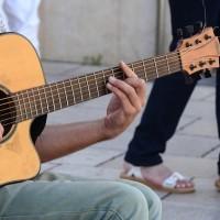 guitar-445387_640