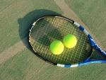 プロや学生とテニスを楽しみませんか!初めてテニスをする人大歓迎です!☆参加費1000円、小学1年生~大人