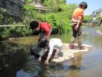 7月16日は湖南市で「親子で魚(アユ)つかみ体験」が開催!鮎の塩焼きに、流しそうめんもあり♪