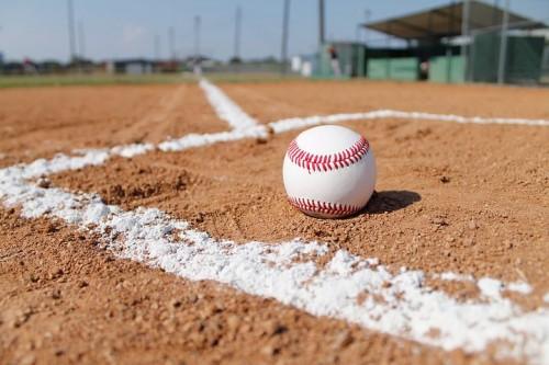 baseball-field-1563858__480