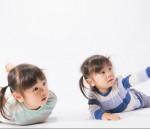 英語講師と一緒に親子でふれあいあそび♪彦根市・市民交流センターで子育て講座開催!