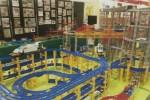 フォレオ大津一里山で「鉄道おもちゃ大運動会」が開催!壮大な鉄道タワーに自分の電車を走らせよう!