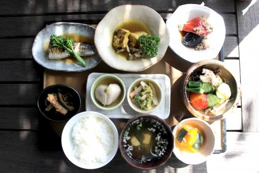「食事 無料」の画像検索結果