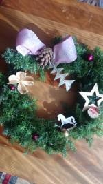 本物のさつま杉やヒバの枝物を使ったかわいいクリスマスリースを作ろう♪参加費500円!見守り託児あり!