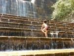 〈愛荘町〉小さい子も遊べる!宇曽川ダムの奥地「山比古湧水」で川遊び♪お盆休みの混雑ぶりをレポ!