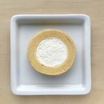 ローソンの「Uchi Caféプレミアムロールケーキ」が厚さ2倍に!!毎月5日・6日限定発売!